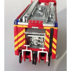 Modell 1:87 MB Actros S HLF 24/20-2 BF Bremerhaven (BRE)   (FEUER1-Exklusivmodell)