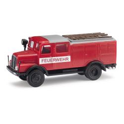 Model car 1:87 IFA S4000 TLF with Bauchbinde